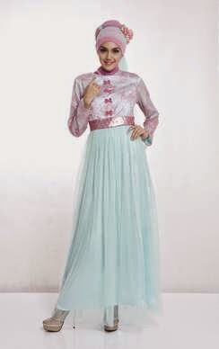 Desain gaun pesta muslim trendy untuk remaja modis
