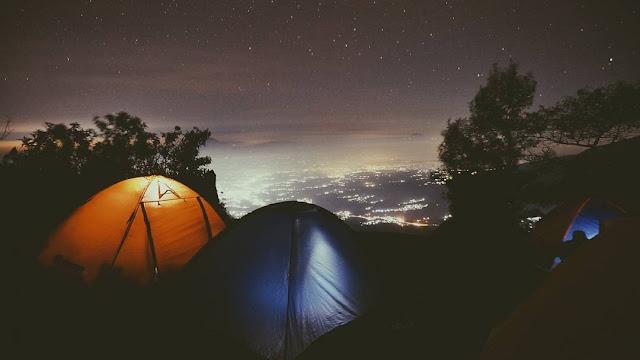 Indahnya Malam Penuh Bintang di Gunung Sumbing