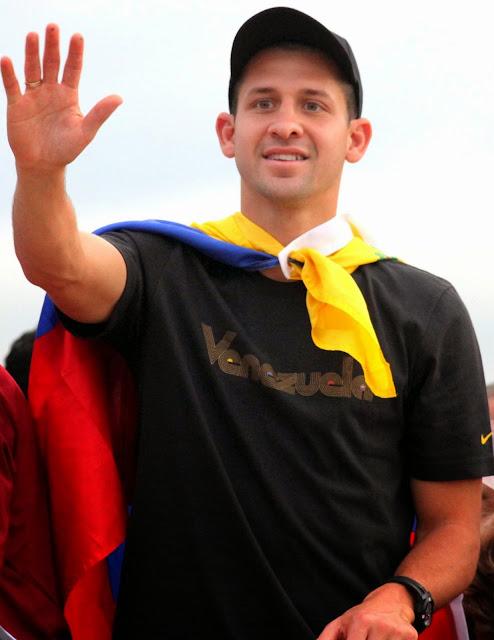 http://enciclopediadehuracan.blogspot.com/2010/09/cesar-gonzalez-el-maestrico.html