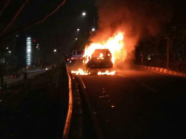 Pengajian Habib Rizieq Diteror Ledakan Mobil, Tumben Tak Satu pun Polisi Berjaga