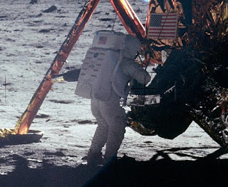 First person to land on the moon, Neil Armstrong, NASA, Apollo 11,