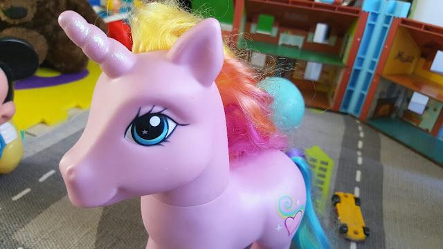 mon-petit-poney-licorne