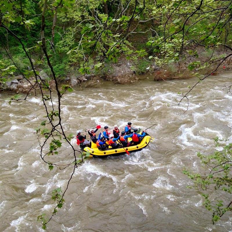 Едно от най-предпочитаните места за рафтинг в България – коритото на река Струма