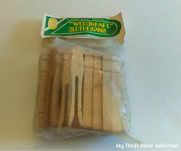 Friday's Find #144 mythriftstoreaddiction.blogspot.com Fabulous finds of the week including these craft clothes pins