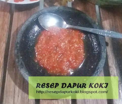 Cara Membuat Sambel Tomat Terasi Pedas Mantap