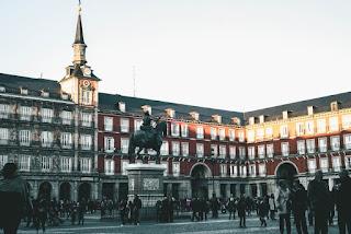 9 Hal Terbaik untuk Dilakukan dan Lihat di Madrid
