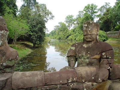 Esculturas em Angkor Wat - Camboja
