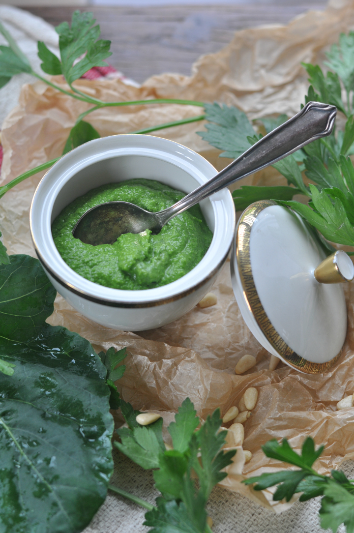 Kohlrabi-Parsley-Pesto, a great way to eat your greens