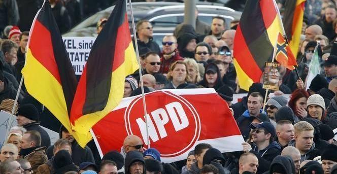 Γερμανικός αριστερός τύπος : Οι διαδηλώσεις ακροδεξιών πλήττουν την γερμανική οικονομία!
