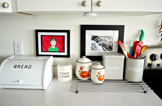 countertop+left A Colorful Home Tour: Woman in Real Life {Color My Home Summer Blog Series} 29