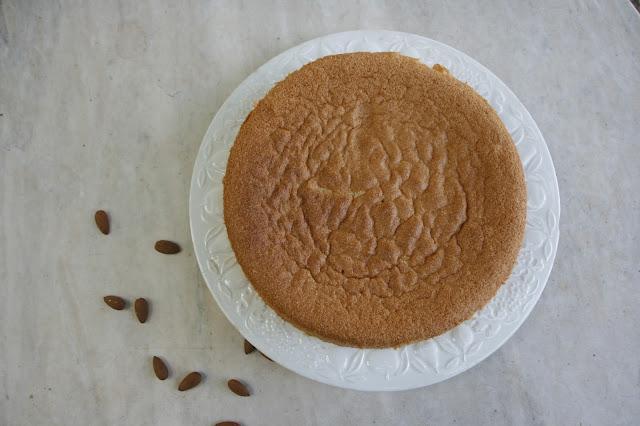 gato de almendra, receta tipica mallorquina sin gluten