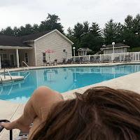 Хорошее утро начинается с бассейна