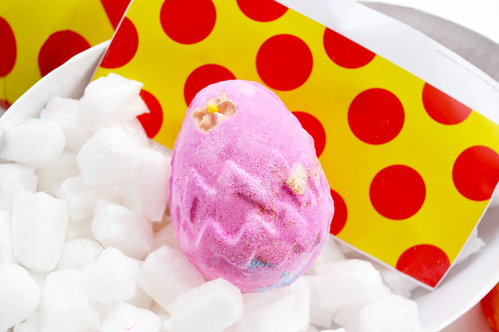 lush fluffy egg bath bomb