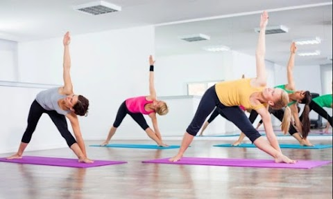 YOGA FOR RUNNERS: WHY YOU SHOULD GET YOUR OM ON
