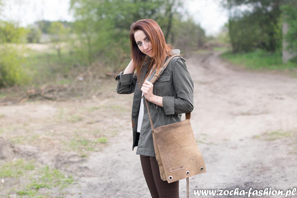 http://www.zocha-fashion.pl/2016/05/kurtka-parka-tenisowki-i-brazowe-spodnie.html