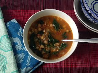 Potaje de legumbres y arroz con espinacas