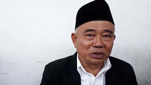 Gara-gara Puisi Fadli Zon, Kyai Asep 'Doakan' Prabowo Kalah