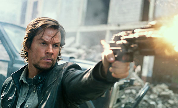 Cade Yeager (Mark Wahlberg) is back to save the world in TRANSFORMERS: THE LAST KNIGHT (2017)