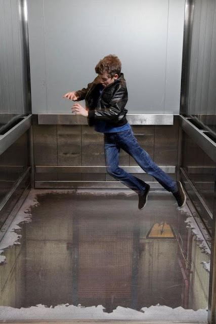 Bottomless Elevator 3D Illusion