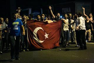 Yunani Bantu Menangkap 8 Tentara Turki Pelaku Kudeta yang Melarikan Diri ke negaranya - Commando