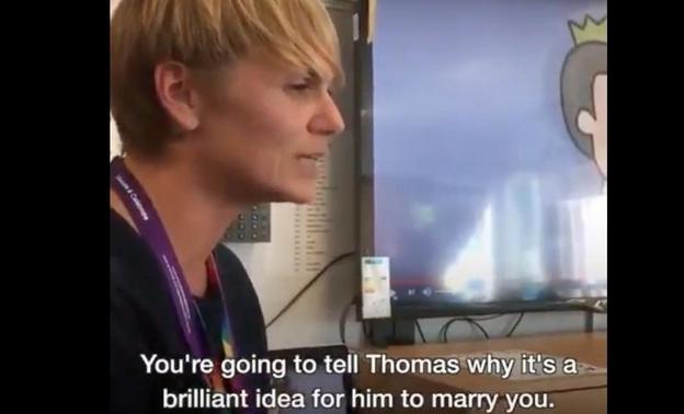 Σχολείο στη Βρετανία έβαλε 6χρονα να γράψουν ερωτικές ομοφυλοφυλικές επιστολές για να προωθήσει την διαφορετικότητα