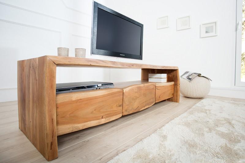 639b82db9 Luxusný nábytok REACTION: TV stolík AKAZZIE z masívneho dreva.
