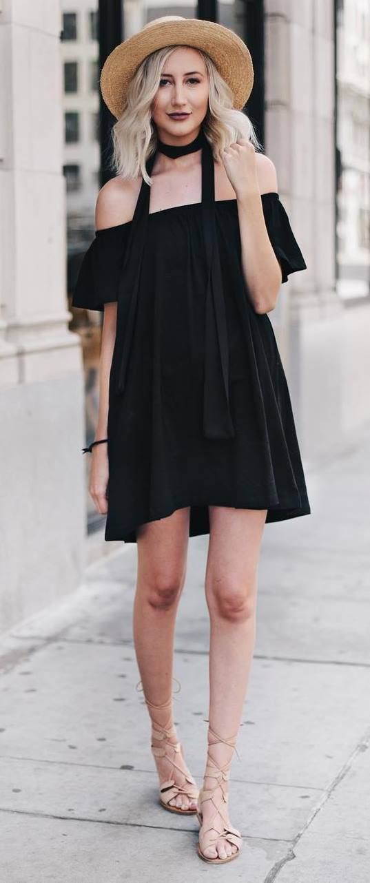 trendy summer outfit: hat + black dress + sandals