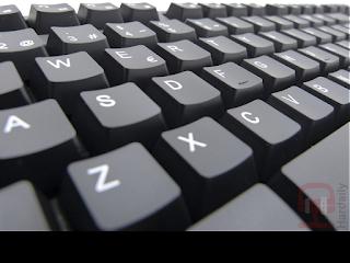 teclado gaming, el mejor teclado gaming, los mejores teclados gaming, teclado gk200, teclado gaming gk200, pom, POM, sistema anti-ghost, teclas desmontables, teclado retroiluminado