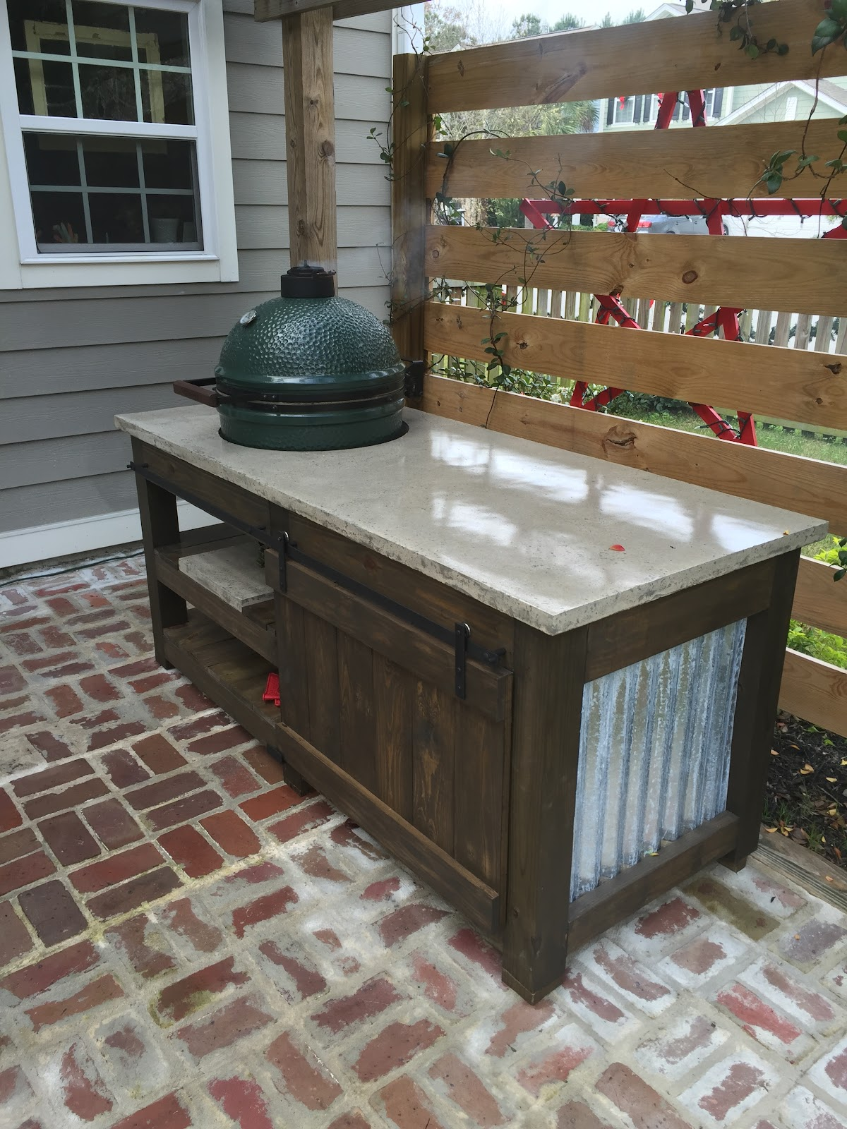 The Lowcountry Lady: Big Green Egg: The Perfect Table