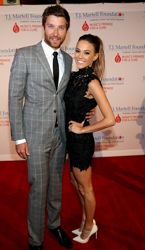 Country routes news brett eldredge set to headline nra country jam brett eldredge and jana kramer attend the 16th annual nashville best cellars dinner at city winery nashville on april 27 2015 m4hsunfo