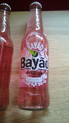 Bayáo Pitanga Flavour in Glas Flasche.