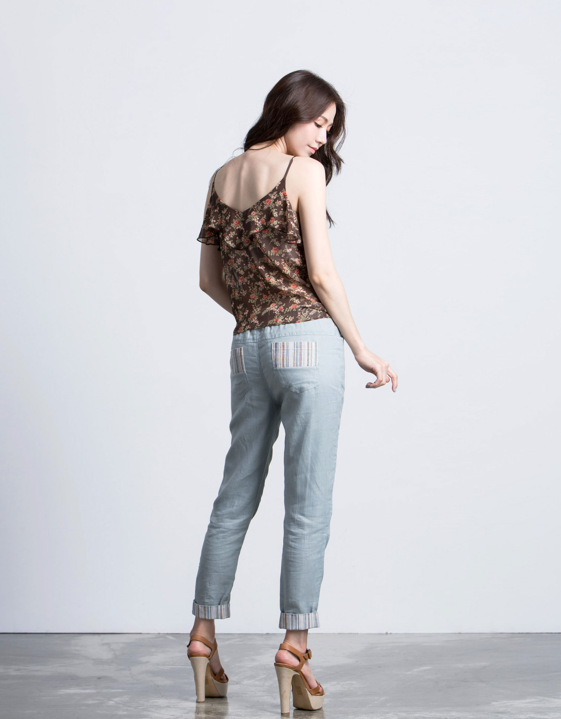 原來生活是這樣: 江怡薇 170 織紋拼接抽繩長褲 淺藍