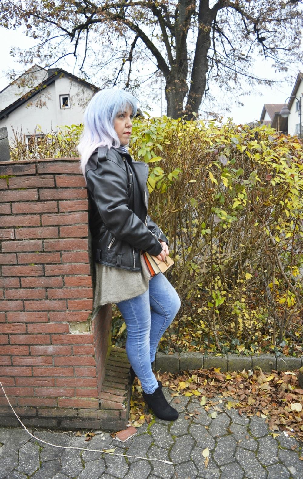 Black Leather Biker Jacket Oversized - Streetstyle im Winter
