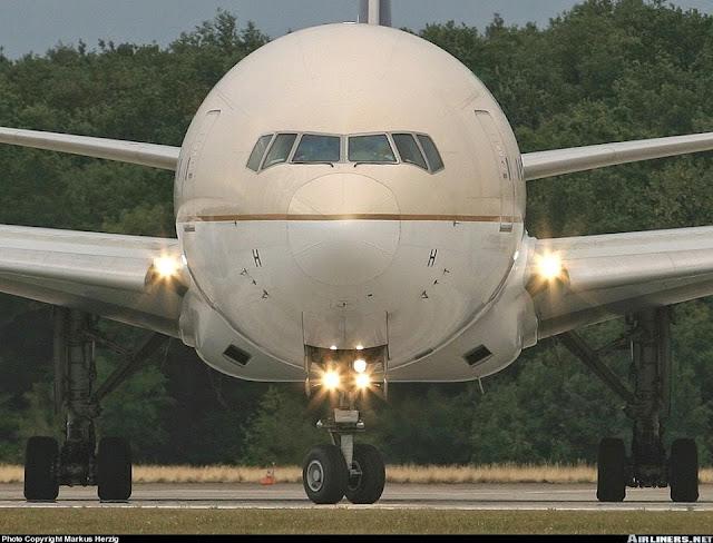 Taxi / Takeoff & Landing lights  اضواء التحرك والاقلاع الهبوط