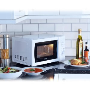 half rates manual microwave 20L, convection oven, 800W Igenix IG2008 – £39.99