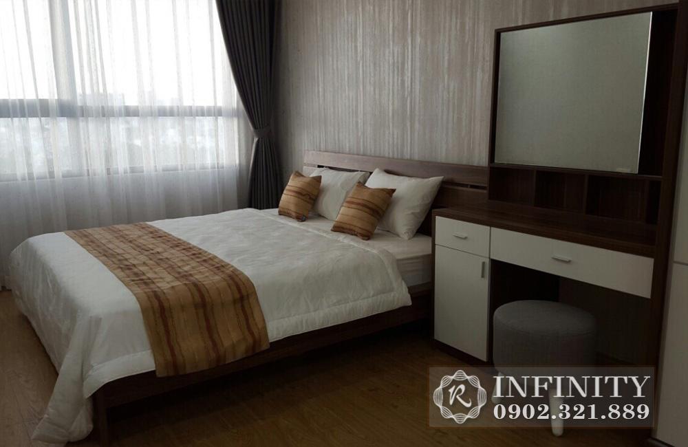 Căn hộ cho thuê Q5 Everrich Infinity - giường ngủ có bàn trang điểm