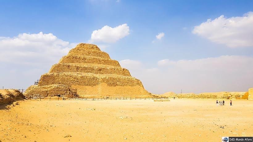Complexo de Saqqara, Egito - pirâmide egípcia de Saqqara