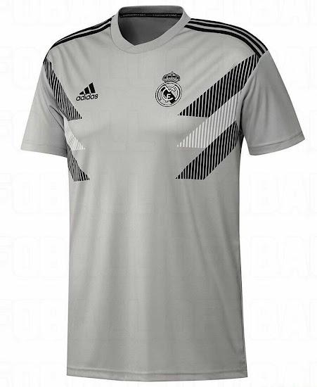 La camiseta le ha gustado mucho a un Cristiano Ronaldo que ya ha comentado  entre sus más allegados lo acertado de un diseño rompedor 158c21f0cc6bd