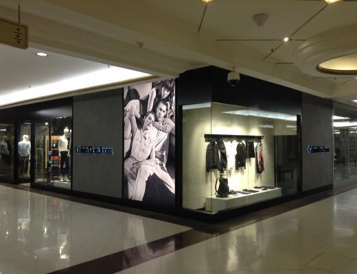 e1b9c23d3db88 Calvin Klein jeans reabre loja no Shopping Iguatemi em São Paulo ...