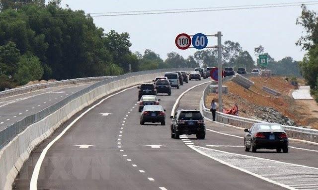 Thu phí cao tốc 34.500 tỷ liệu có vội vàng