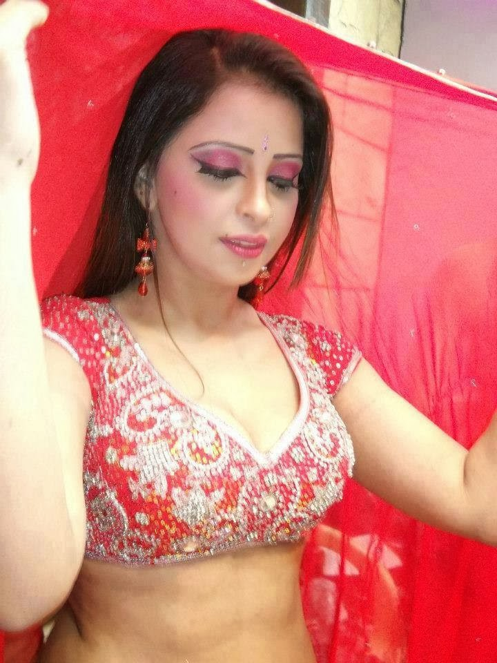 In Pictures Bhabhi Ki Adayein  Hot And Sexy-3182