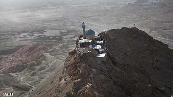 Keindahan Masjid Atas Gunung Di Iran
