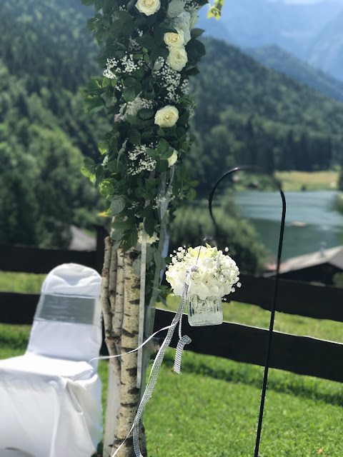 Freie Trauung auf der Bergwiese am See, Hochzeit zu Dritt, kleine Familienhochzeit, Riessersee Hotel Garmisch-Partenkirchen, Bayern, freie Trauung