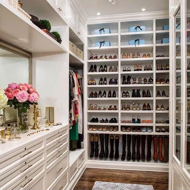 Online Closets: Concierge4Fashion: WOMEN'S CLOSET PARADISE