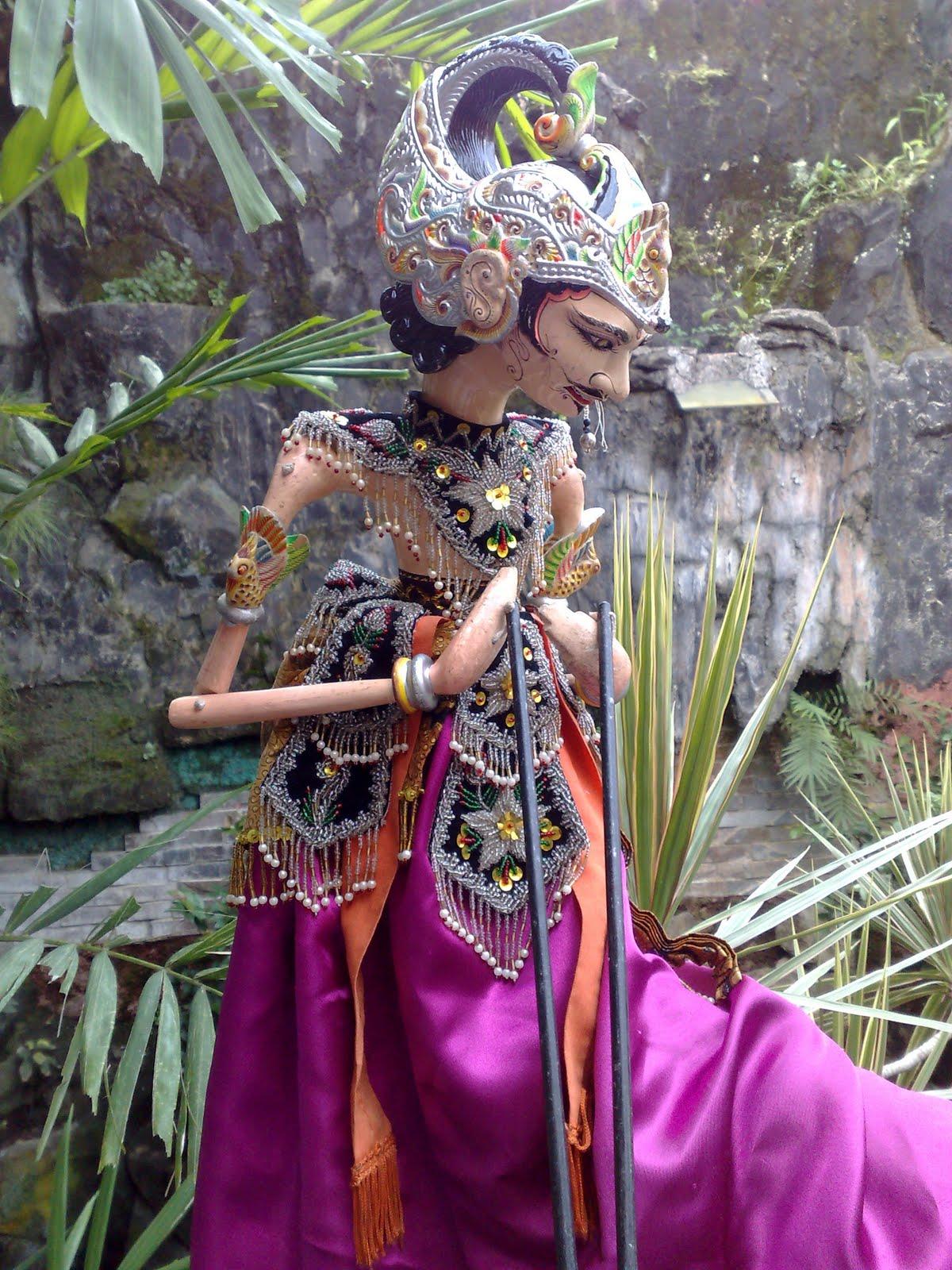 Download Sketsa Gambar Wayang Golek