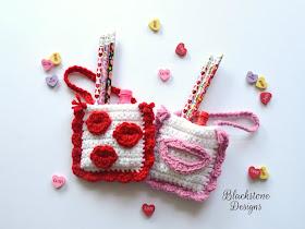http://blackstonedesigns.blogspot.com/2018/01/valentine-kisses-treat-bags.html