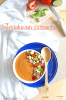 http://cookalifebymaevaen.blogspot.fr/2016/07/traditional-andalusian-gazpacho-cold-soup.html