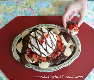 Strawberry Shortcake, Nacho Style | www.BakingInATornado.com | #recipe #dessert