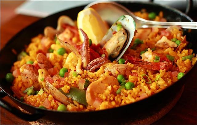 Prato típico: paella valenciana