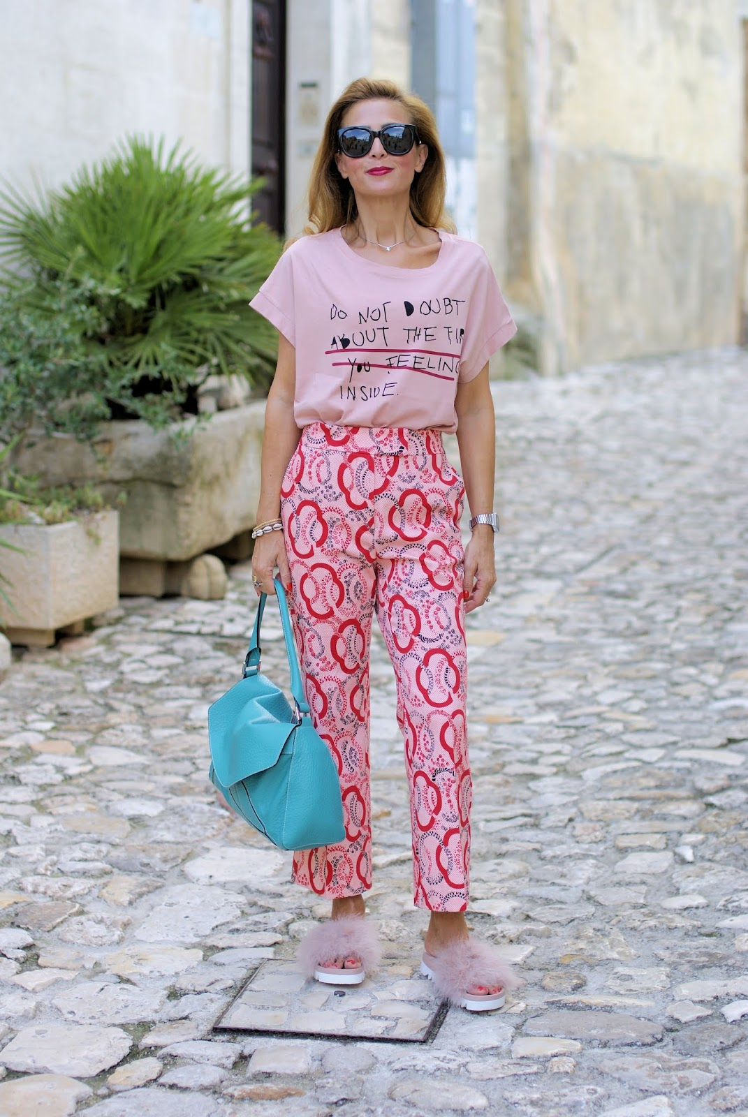 How to wear pink and red together in Matera on Fashion and Cookies fashion blog, fashion blogger style